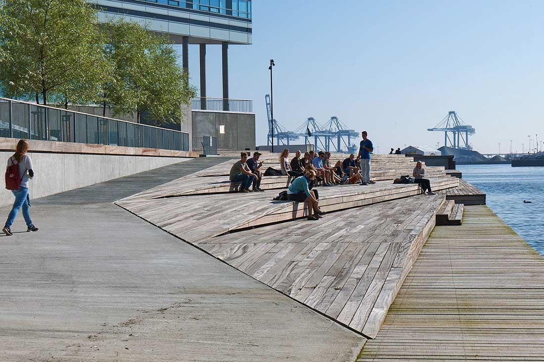 Navitas Harbour Front by Marianne Levinsen Landskab