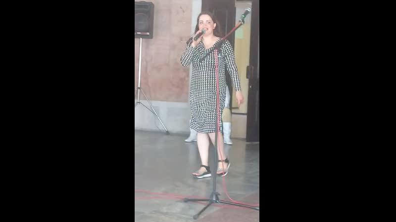 Восходящая Гомельская звезда Елена Кузнецова выступление в гостинице Надзее