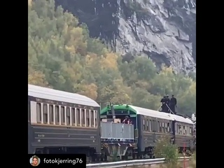 Mission: Impossible 7 : Fighting Scence Top Of Moving Train | Tom Cruise & Christopher McQuarrie