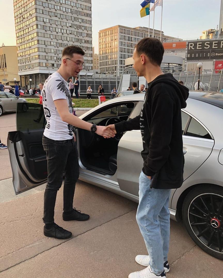 С Марьяном Алексеевым, основным бизнес партнером Юры Бойцова.