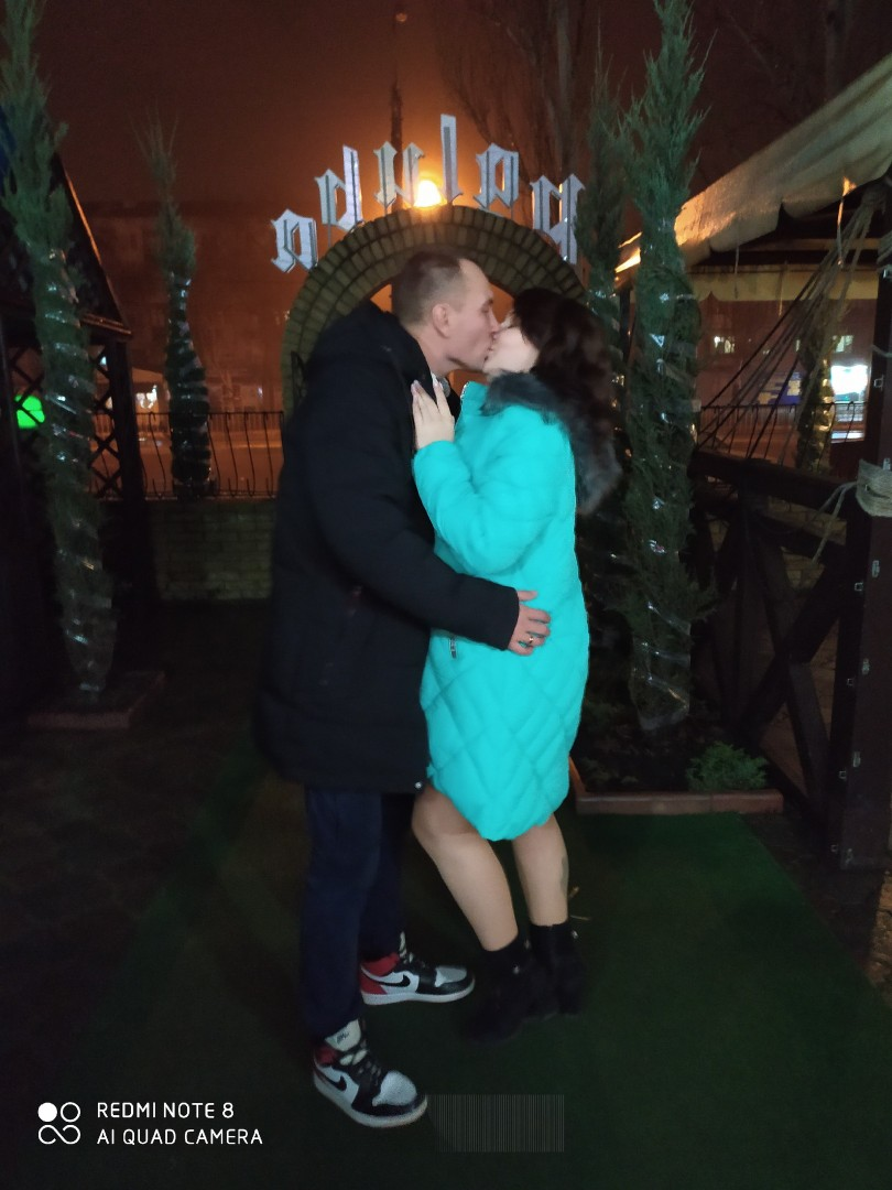 фото золотых андрея с женой перед