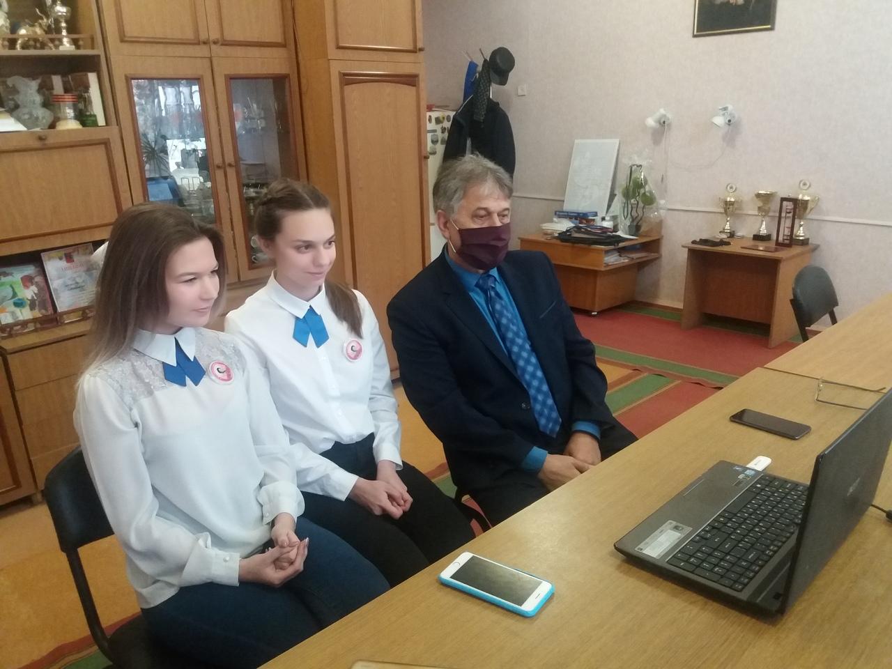 Юные панфиловцы из Петровска приняли участие в международном патриотическом онлайн-форуме