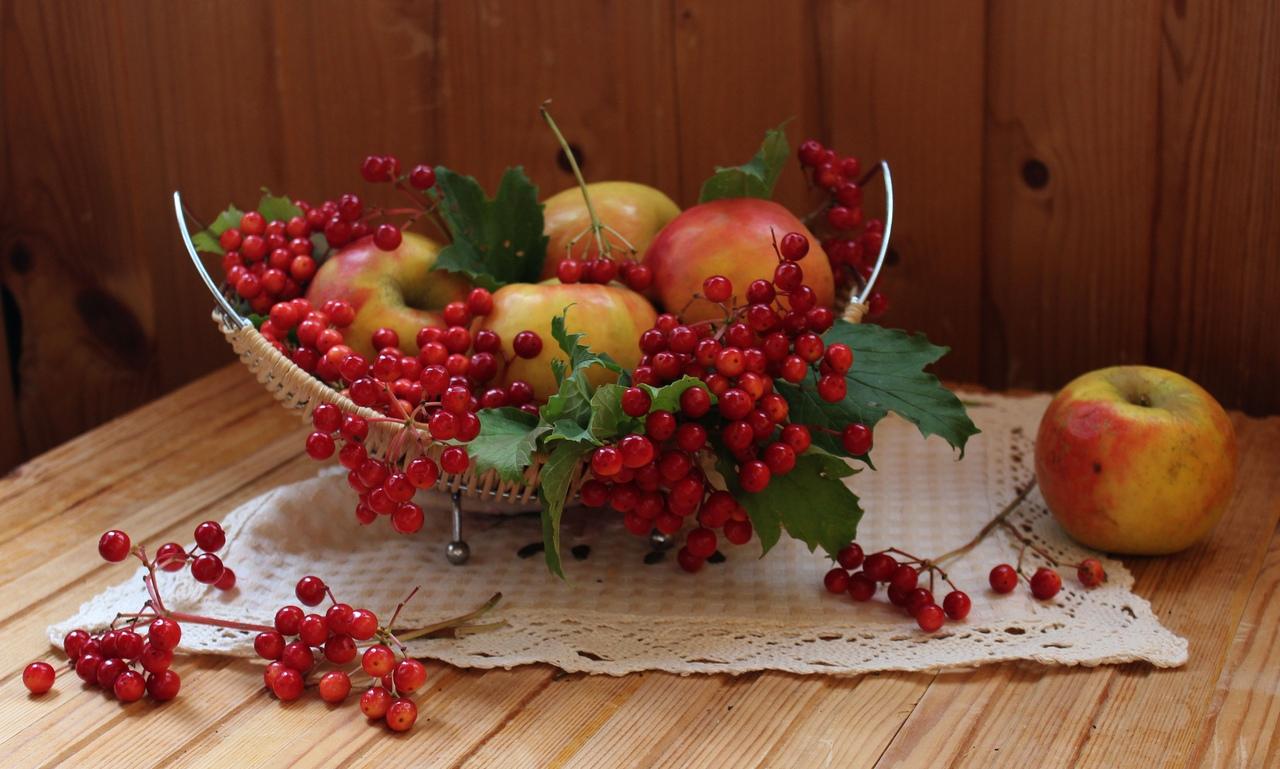 Рецепт моченых яблок в банке на зиму: 7 вариантов заготовки
