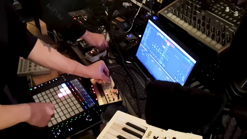 Synth jam 21112020 Elektron Cycles Грохот древних эпох Korg Volca Keys Minilogue Ableton 10