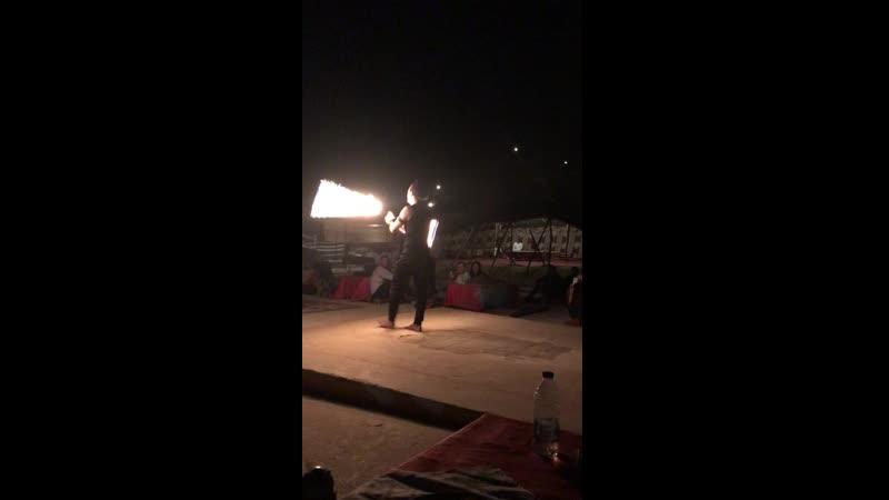 пустыня ОАЭ в гостях у бедуинов файер шоу 2