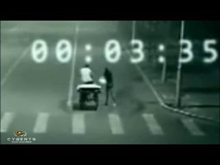 В Китае ангел спас человека от смерти,засняла скрытая камера на дороге! - [[168100539]]