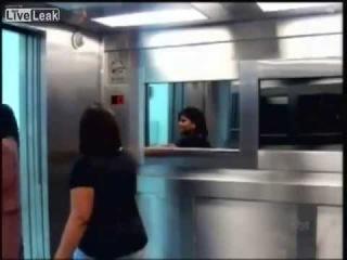 """Привидение в лифте.Бразильское телешоу,наш """"Розыгрыш"""" сосет!!!"""