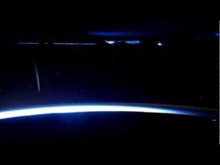 Командир МКС с рассказом о наблюдениях кометы Лавджой