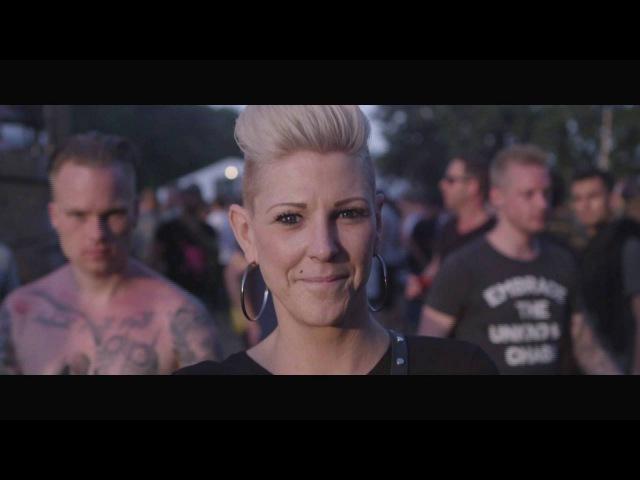 Spuiten en Slikken Hardcore Never Dies Gwen op Dominator