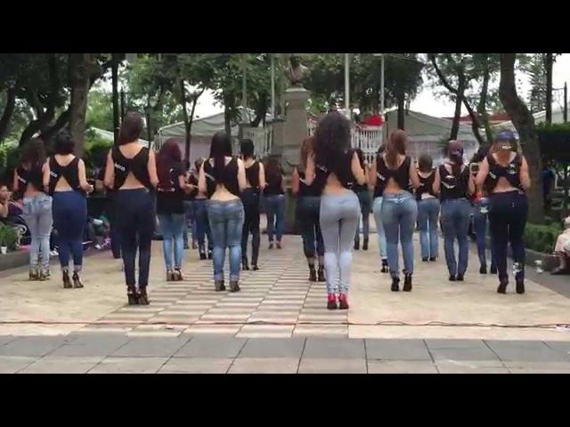 Lucero y Kizomba Woman en el International Kizomba Flashmob Mexico Lady Style