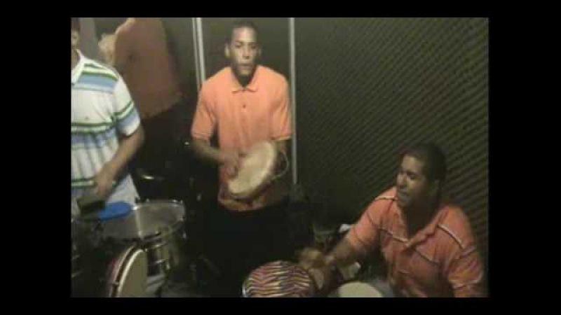 Puerto Rico Percusionistas Plena Puertorriqueña Javielito Oquendo jr requinto John Rivera