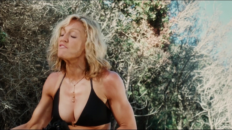 Madonna Nude, Elizabeth Banks, Jeanne Tripplehorn Swept Away (2002), Мадонна, Джинн