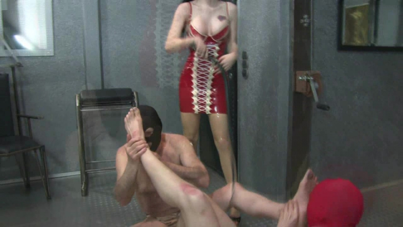 2 slaves degraded by a