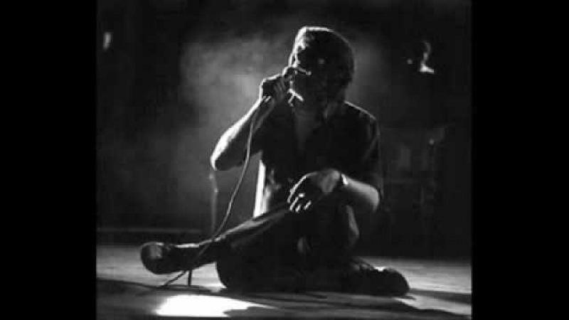 Fabrizio de Andrè Il re fa rullare i tamburi