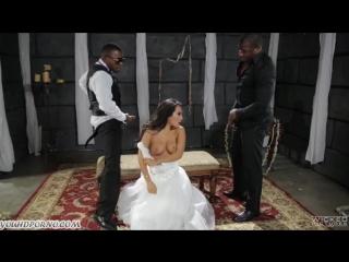 Негры выебали азиатку невесту прямо на свадьбе
