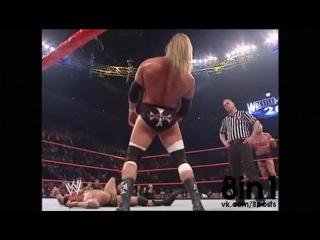 Самый тупой, смешной и долгий нокаут в рестлинге от Рэнди Ортона / WWE KO - Triple H VS Randy Orton