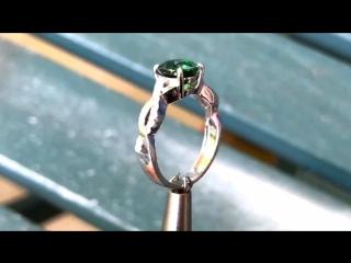 Зелёный гранат цаворит