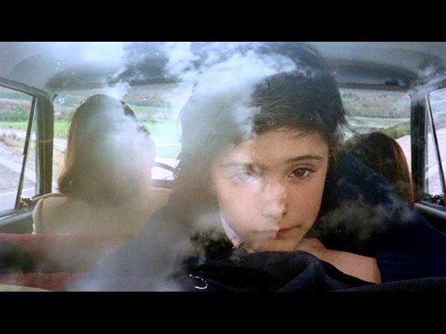 Porque te vas extraits de Cría cuervos film de Carlos Saura (1976)