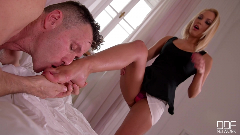 Cecilia Scott ( Succumbed to Temptation: Sexy Toe Sucking And Foot Fucking ,