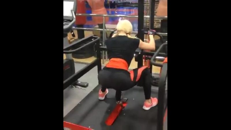 Тренажер для тренировки ног и ягодиц