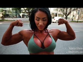 Muscular_girl_flexing_posing.