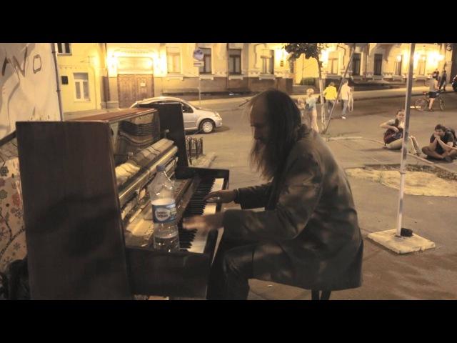 AMAZING Street Performers Musicians Piano Уличный музыкант играет на пианино завораживает