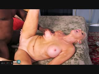 Lexy Cougar [ Mature &  Negros / Old with young, Riding dick, Swallow cum, Short hair, Roller]