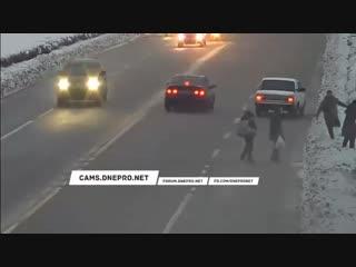 Русский мужик избил двух баб.vrpz