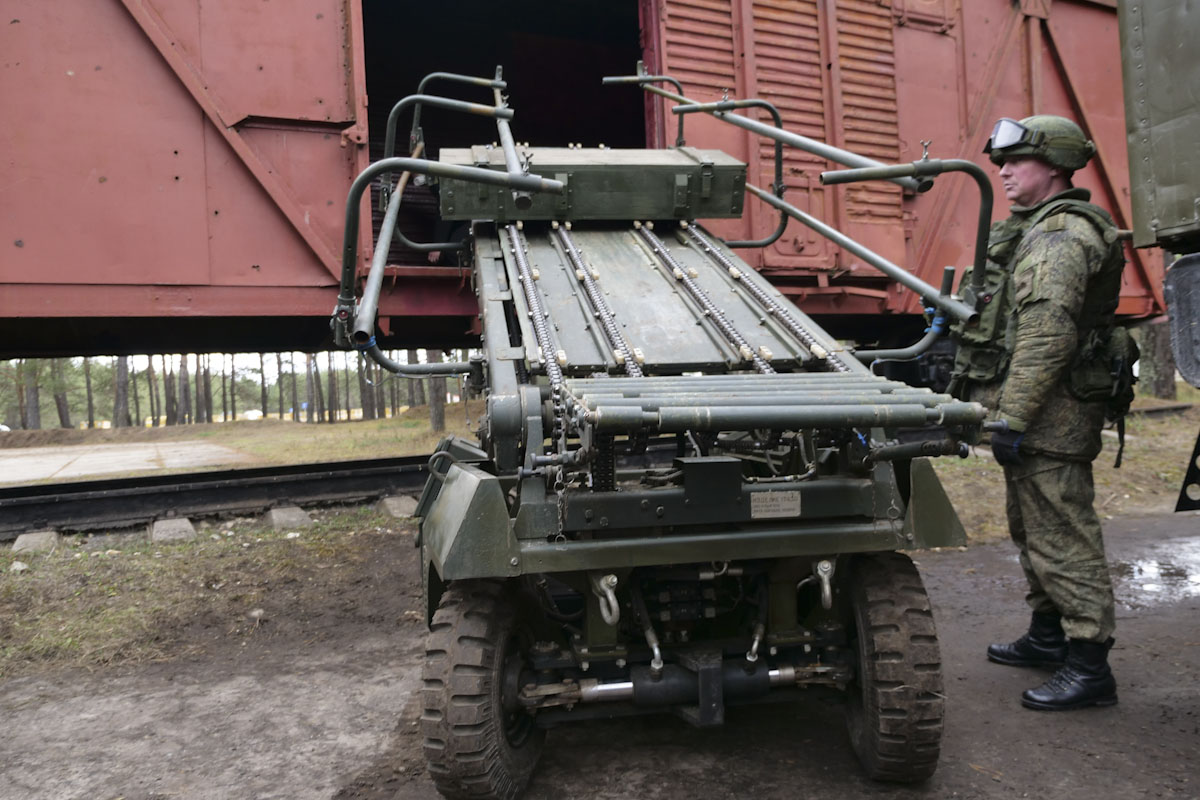 Russian Army Robots - Page 17 Zev3rhDsm38