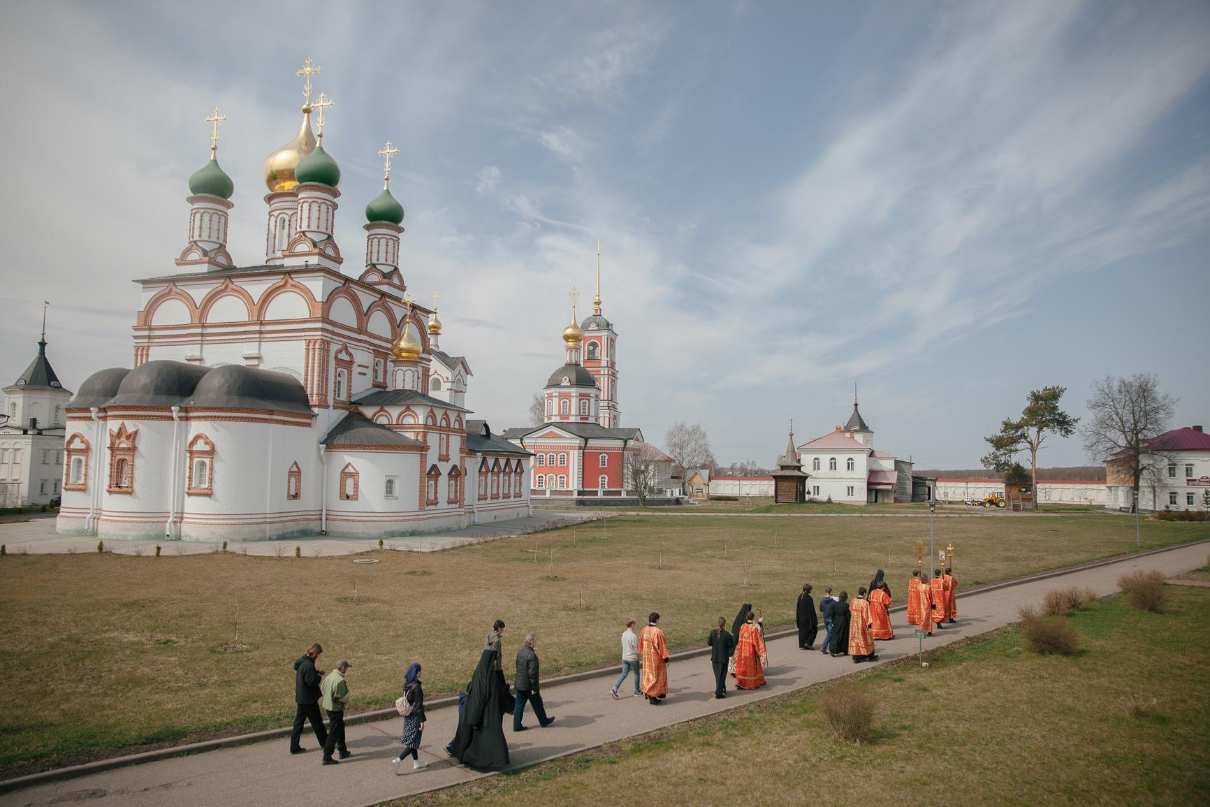 Варницкая обитель за торжественными богослужениями почтила память жен-мироносиц, изображение №5