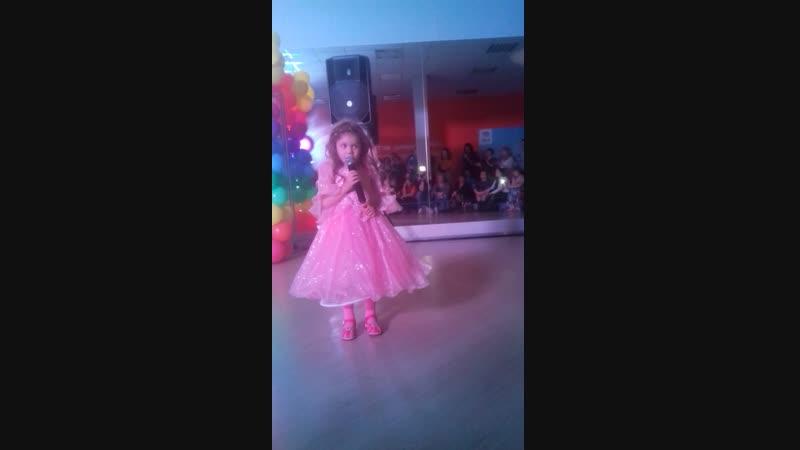Людочка Каунова моя любимая доченька Исполняет песню Ирины Круг