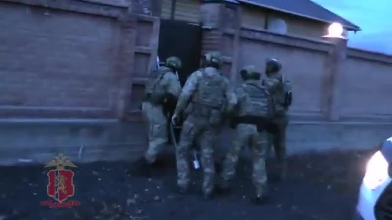 Полиция Красноярска провела спецоперацию по задержанию вора в законе Кости Канского.