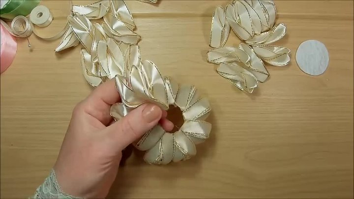 Цветы из узких лент канзаши diy satin ribbon flower kanzashi 720p