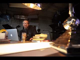 Би Коз: новые спектакли Вырыпаева, премьера клипа Animal ДжаZ и большое интервью с БГ