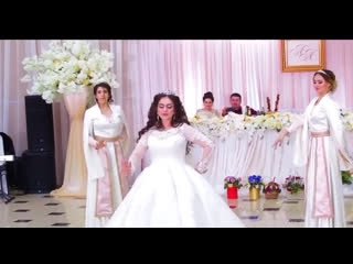 Армянский традиционный танец невесты