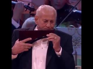 "Джеймс Ласт. ""Одинокий пастух"". Исп. Георге Замфир (пан - флейта) и Иоганн Штраус  оркестр"" п/у Андре Рьё."