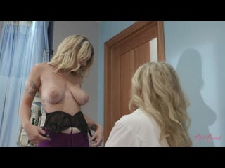 Julia Ann, Gabbie Carter - Big Tit MILF Doctor Fucks Her New Nurse with Big Natural Tits - Lesbian Sex Nilf Teen Chubby, Porn