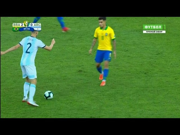 Jogador da Argentina Juan Foyth da Drible de Garrincha em Coutinho