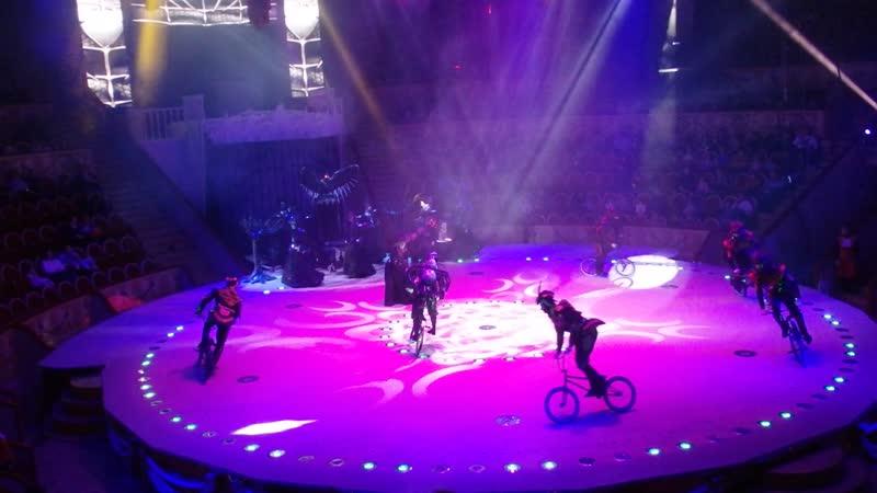 Велосипедисты Жонглер Цирк на Фонтанке 18 01 2020