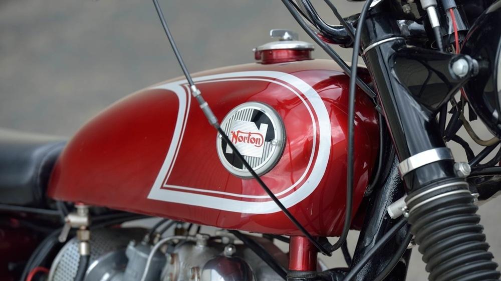 Оригинальный Norton P11 1967 - британо-американский гоночный скрэмблер