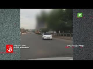 А эти кадры с проспекта Победы. Отечественный автомобиль движется задним ходом