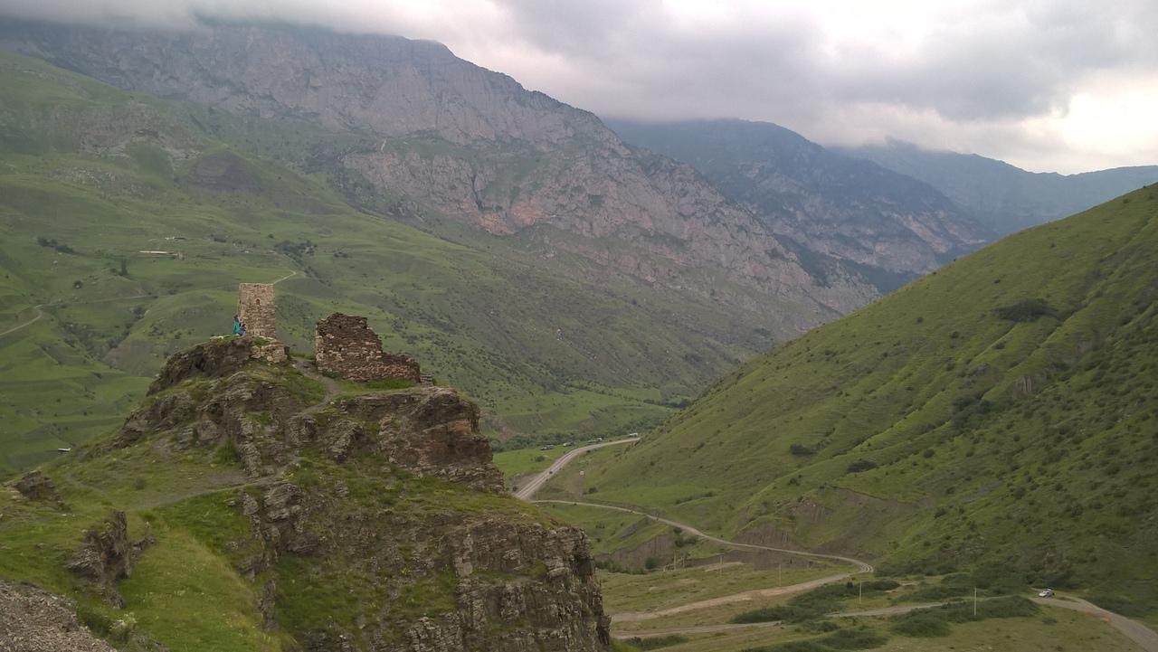 от Верхнего Фиагдона остатки крепости