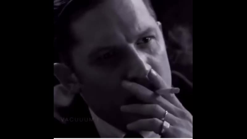 Tom hardy (том харди) курит в фильме - легенда legend (2015) ♪ gustavo santaolalla - babel