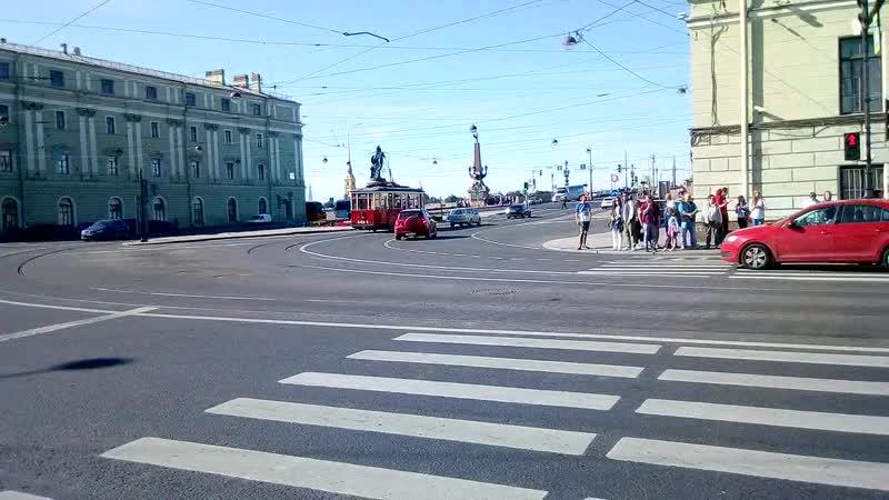 Ретро Трамвай вдоль Милионной улицы на Троицкий мост