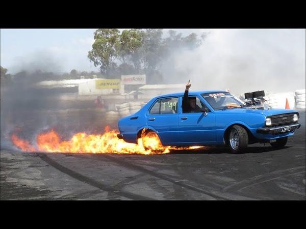 ДИКИЙ бернаут ОГОНЬ и ИСКРЫ из под колёс БЕЗБАШЕННЫЙ свап V8 Burnouts Australia