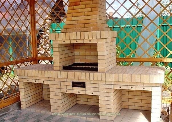 Строим на даче мангал из кирпича.