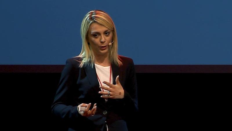 C'è un problema al check in sei tu Ambra Garavaglia TEDxSanGiovanniInPersiceto