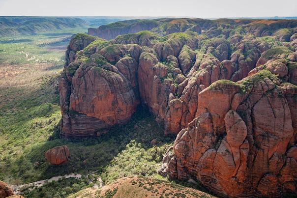 Национальный парк Пурнулулу Национальный парк Пурнулулу на территории австралийского штата Западная Австралия был основан в 1987 году. Главной достопримечательностью парка являются горные