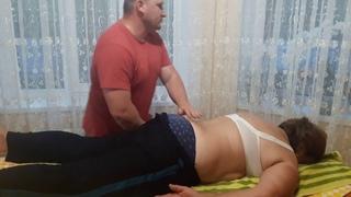 Костоправ-массажист жестко но убрал поясничные боли./ Chiropractic.