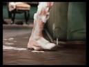 Момент из кинофильма 12 стульев, когда у инженера из Москвызахлопнулась дверь